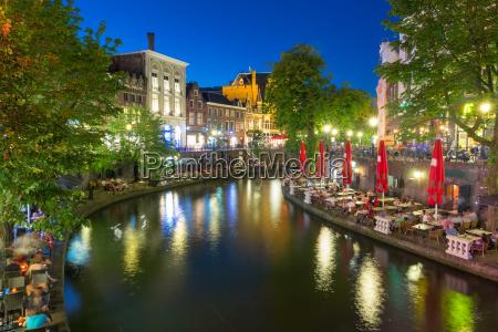 canal oudegracht at night utrecht netherlands