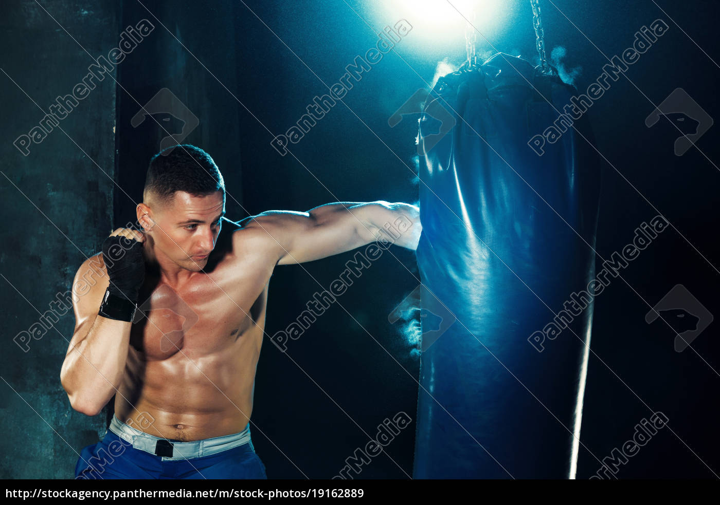 male, boxer, boxing, in, punching, bag - 19162889