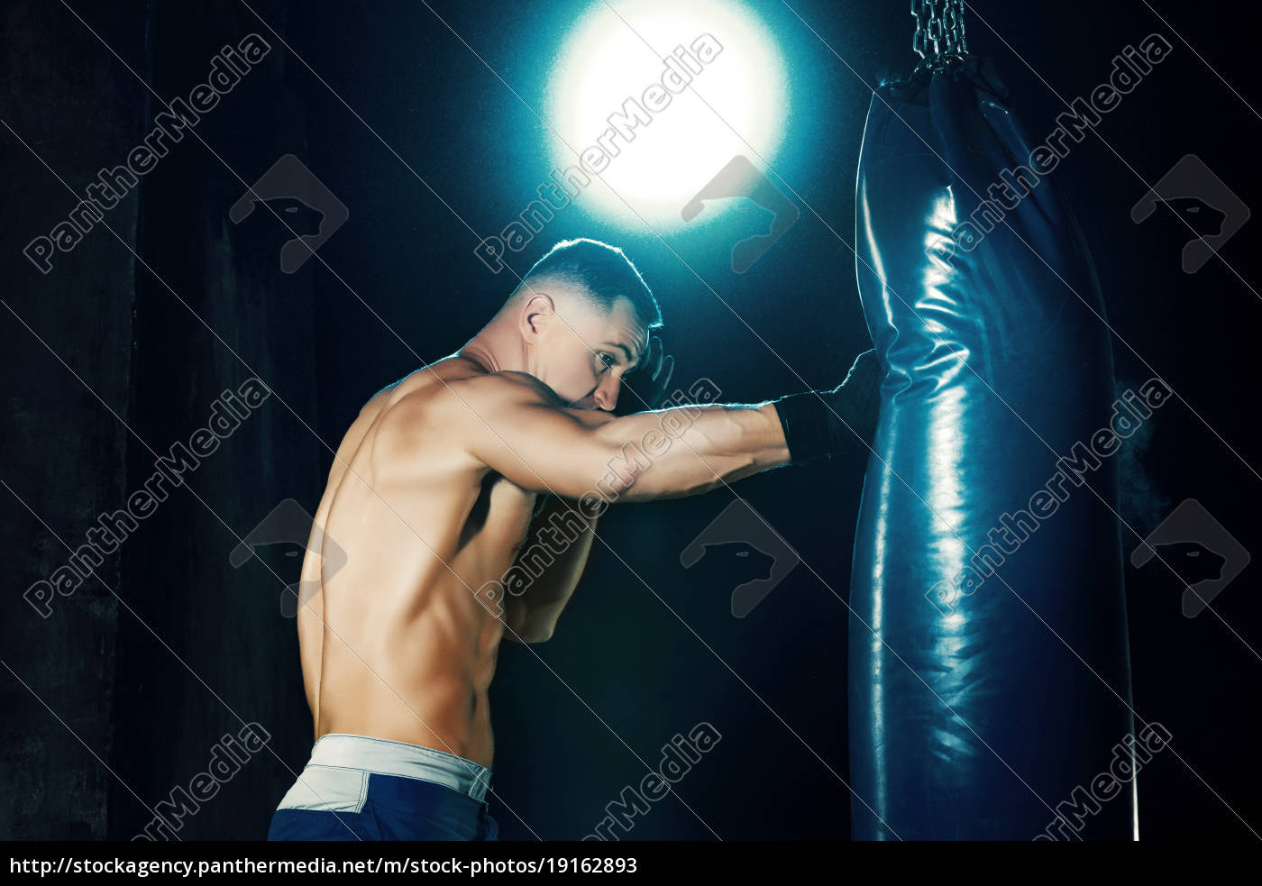 male, boxer, boxing, in, punching, bag - 19162893