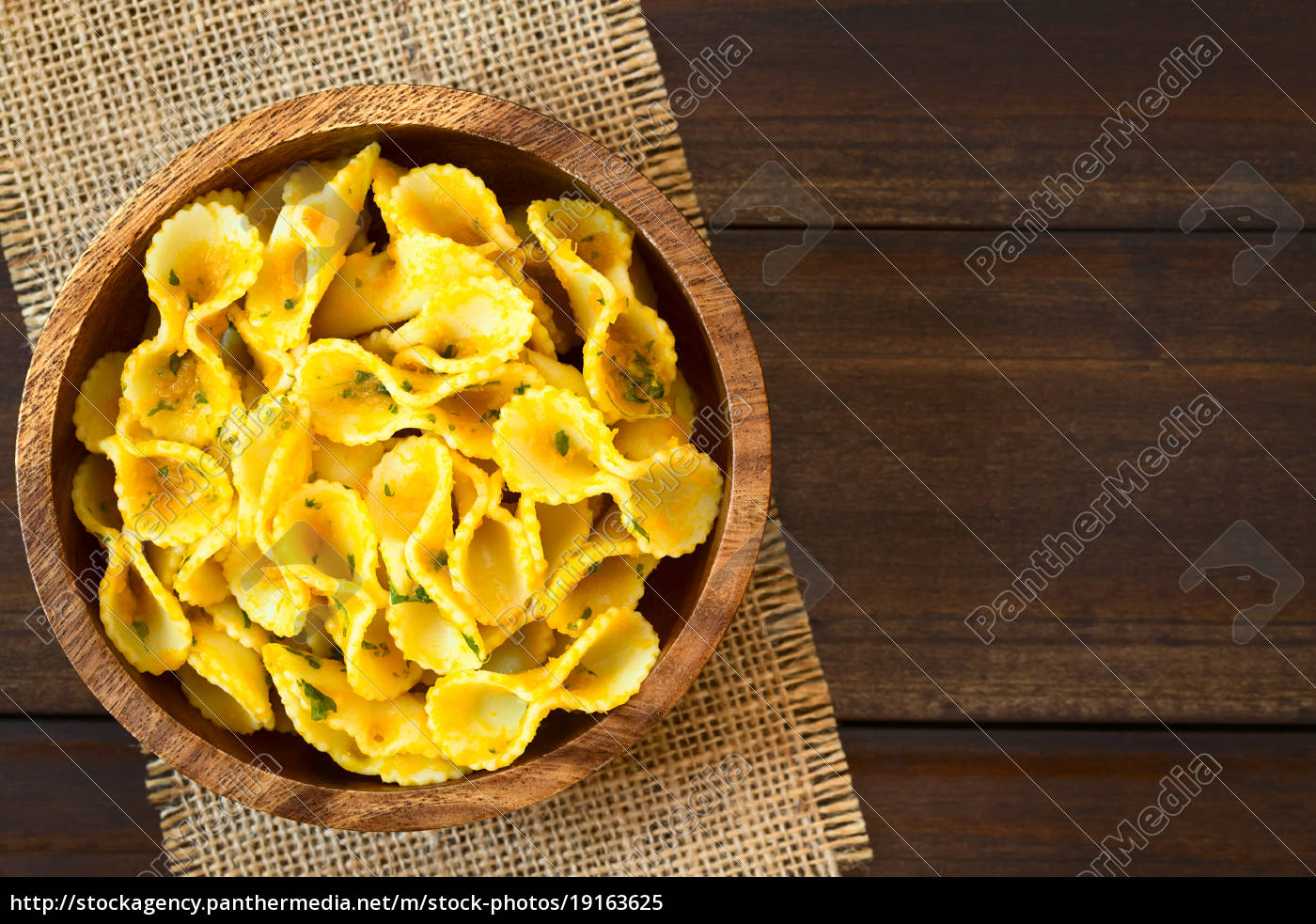pasta, with, pumpkin, and, parsley, sauce - 19163625