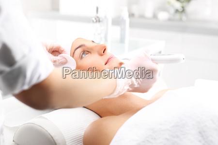 micro needle mesotherapy beauty treatment