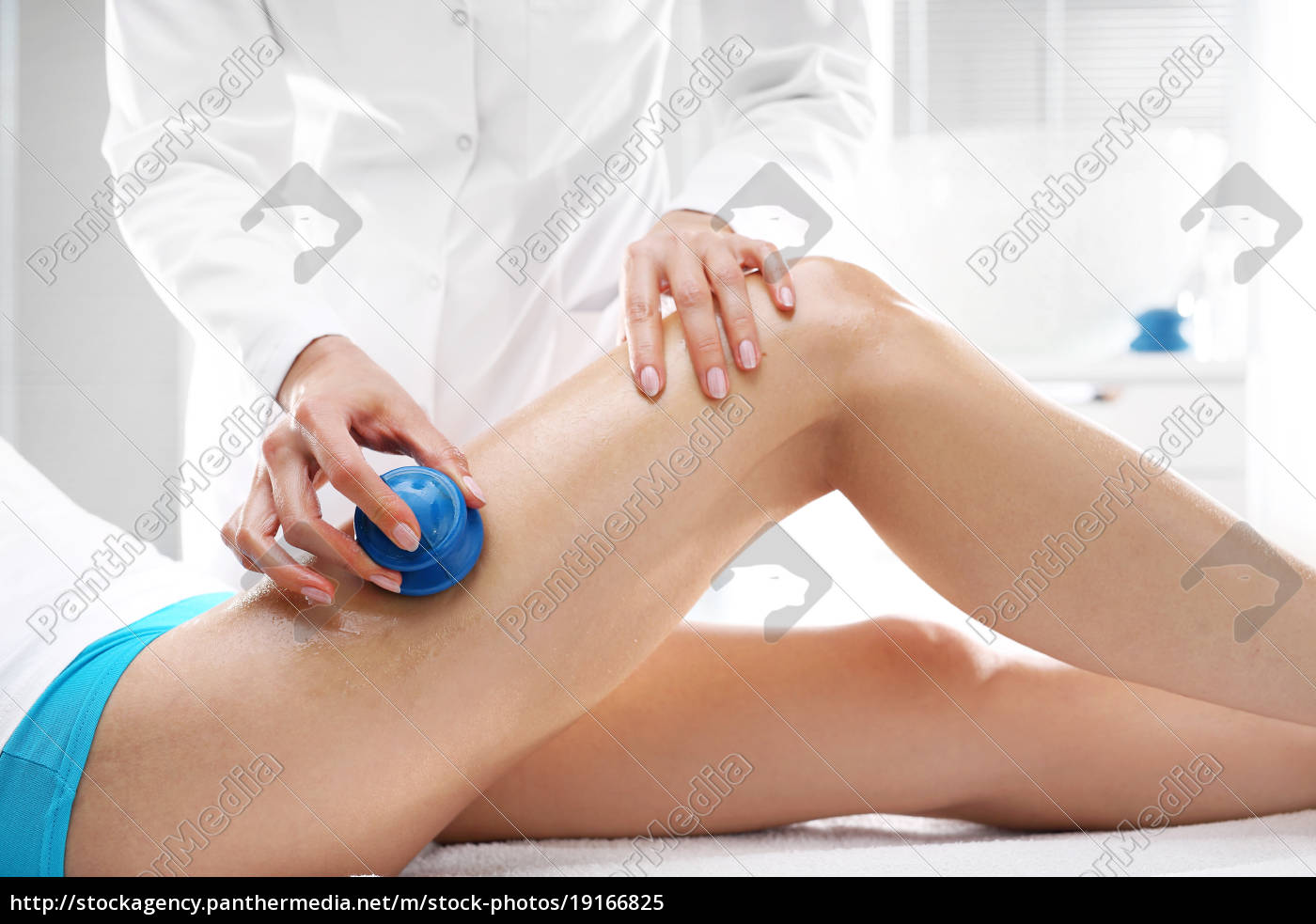 anti-cellulite, massage, with, a, chinese, bulb. - 19166825