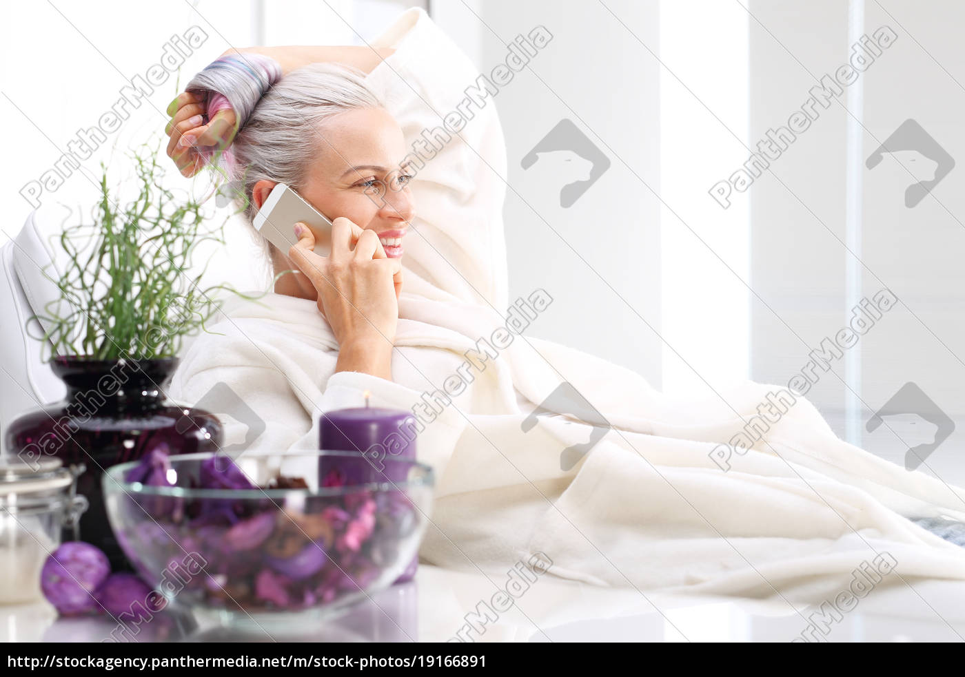 salon, spa, woman, relaxing, in, the - 19166891