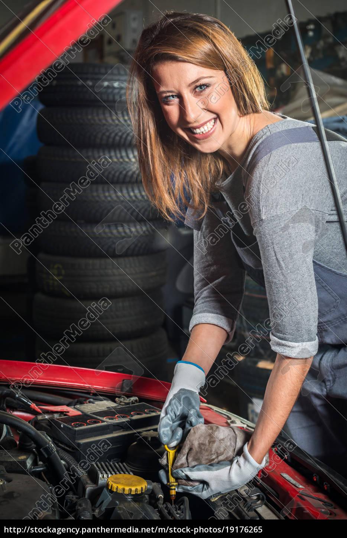 lovely, female, car, mechanic, in, auto - 19176265