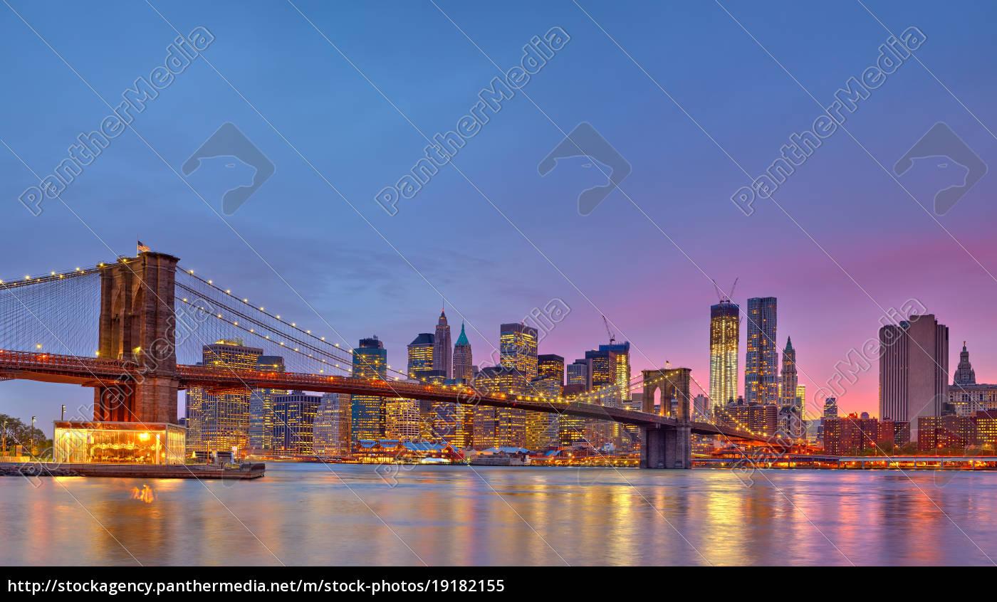 brooklyn, bridge, and, manhattan, at, dusk - 19182155