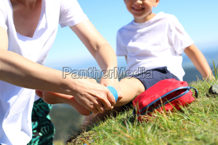 bandaging foot injury child twisted leg