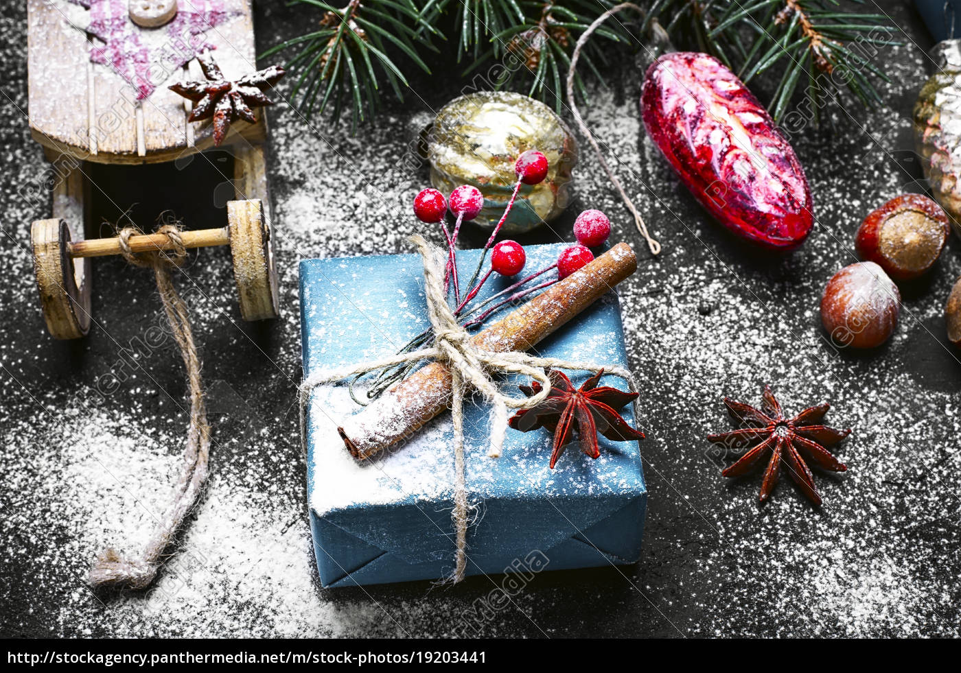 christmas, sleigh, and, box, with, gifts - 19203441