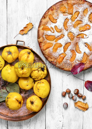 homemade, quince, pie - 19203763