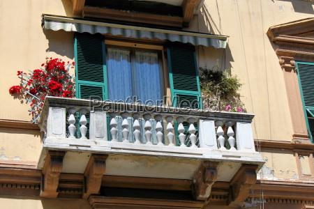 balcony old town la spezia