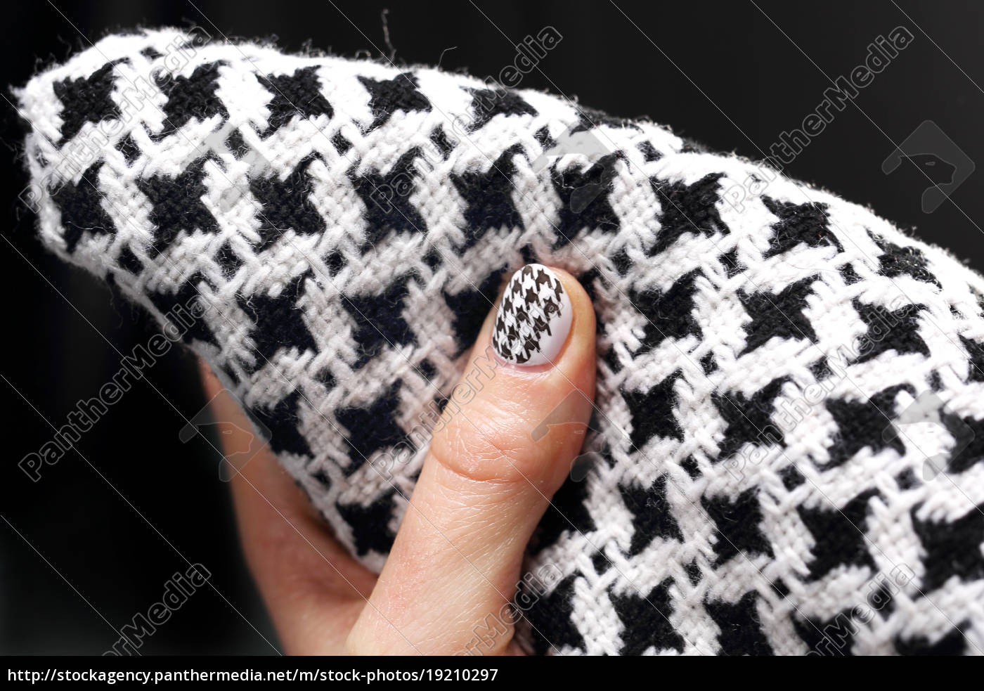chanel, grille, black, and, white, pattern, on - 19210297