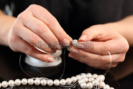 jewelery making threading beads