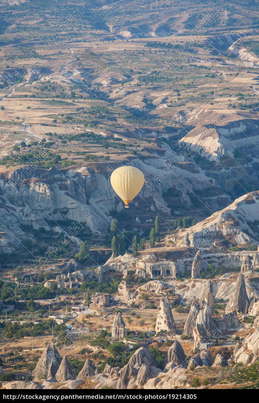 hot, air, balloon, in, cappadocia - 19214305
