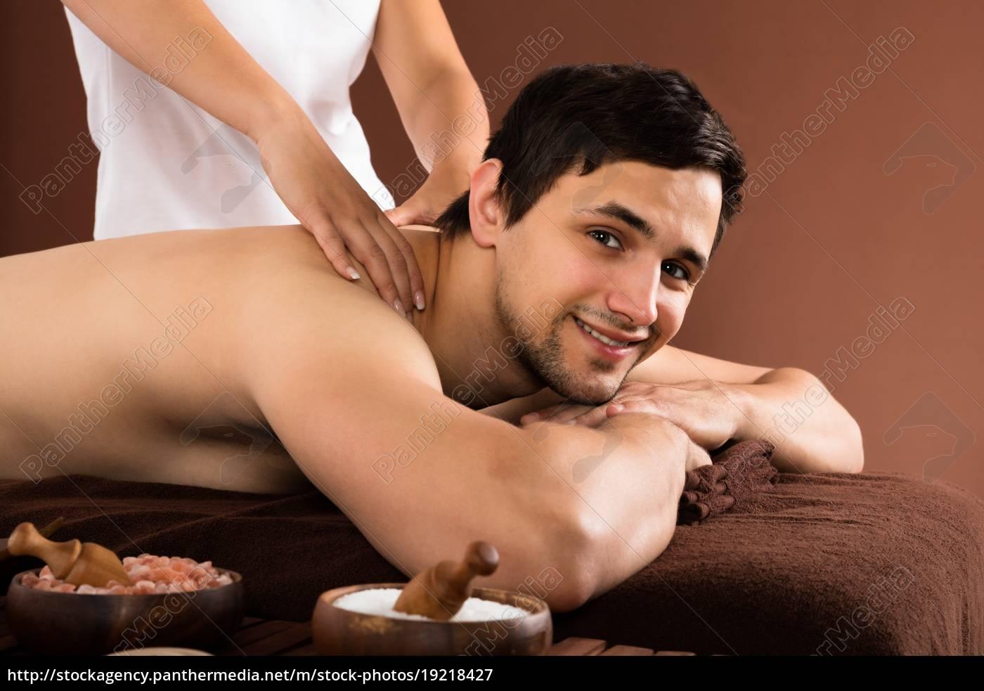 man, receiving, shoulder, massage - 19218427