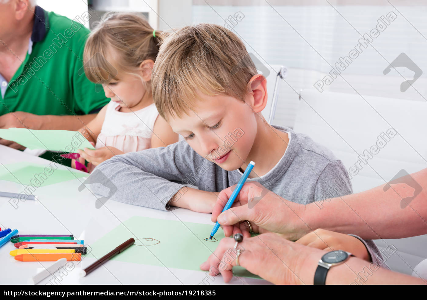 multi, generation, family, drawing, on, colorful - 19218385