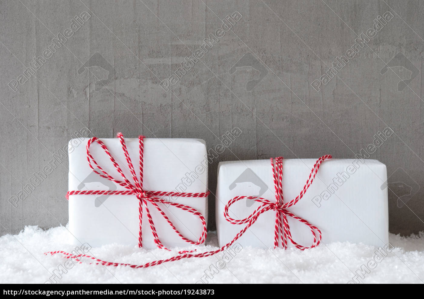 two, gifts, with, snow, , copy, space - 19243873
