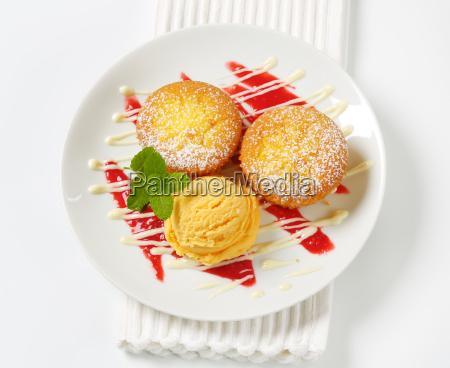 lemon, cupcakes, with, ice, cream - 19244025