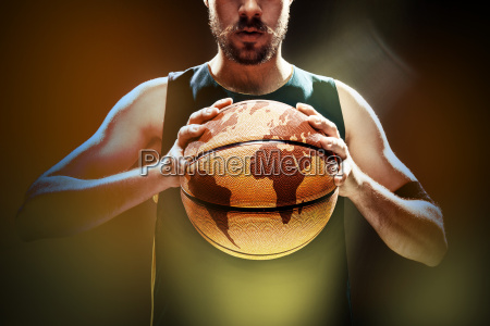 silhouette, view, of, a, basketball, player - 19254191