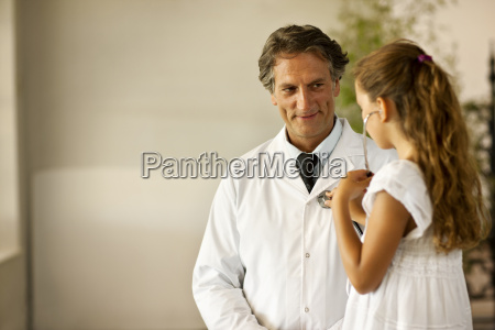 young female patient using her doctors