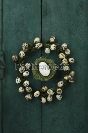 box tree wreath with quail eggs