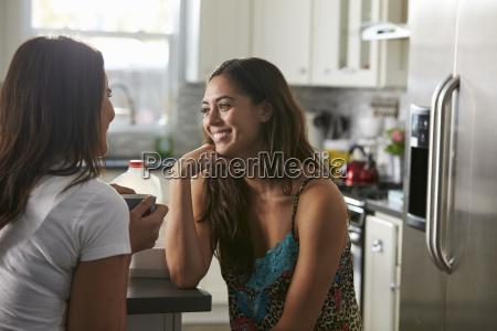 conversacion hablar hablando habla charla risilla