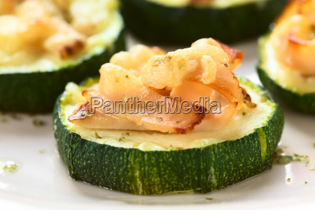 baked zucchini with ham and cheese