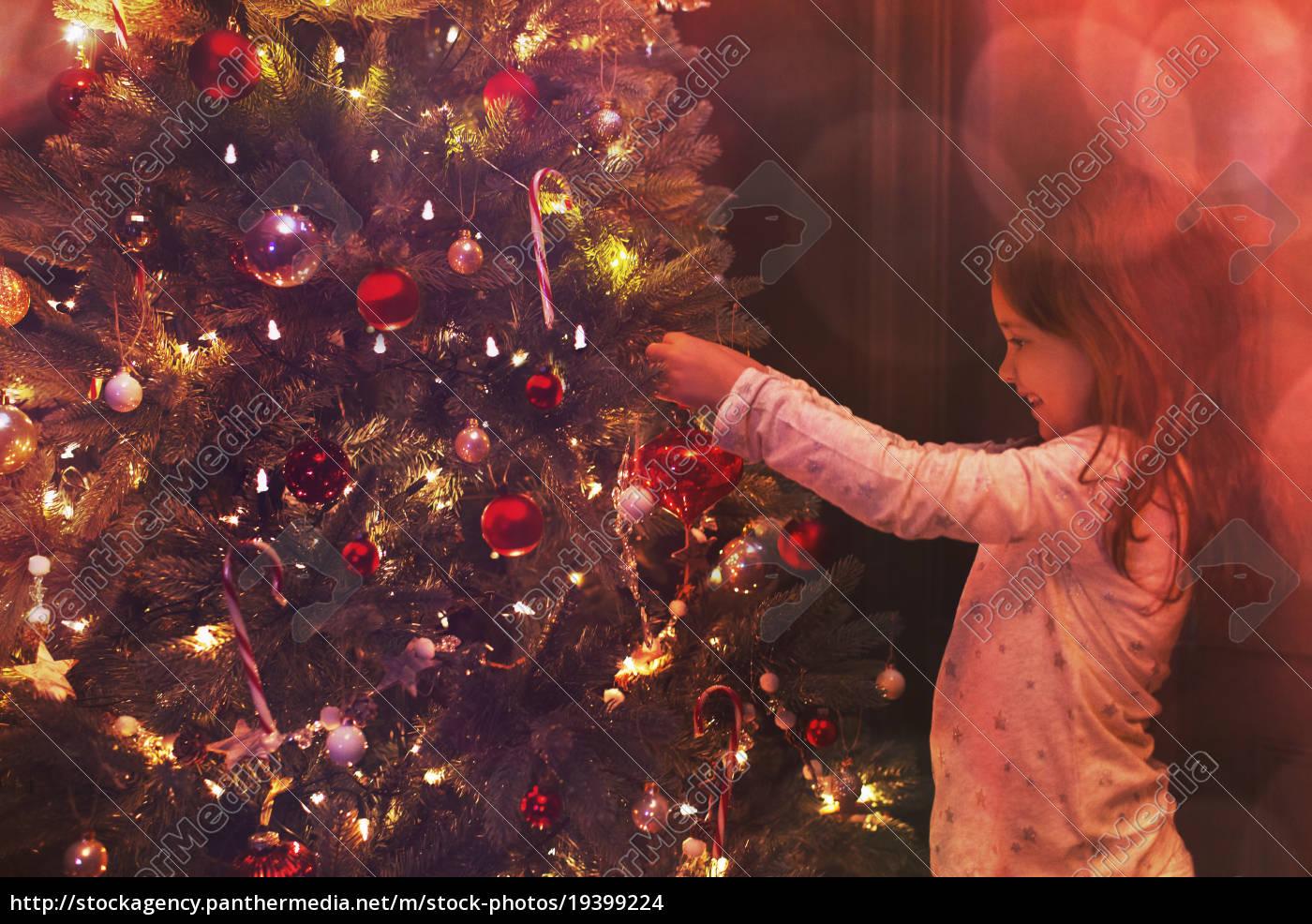 girl, decorating, christmas, tree - 19399224