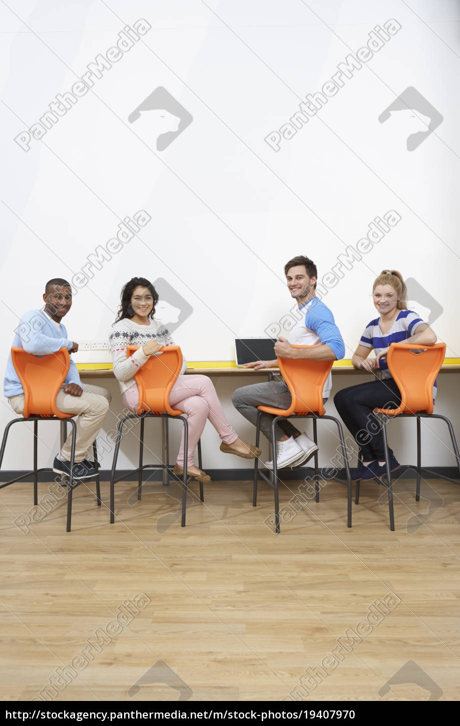 group, of, college, students, working, at - 19407970