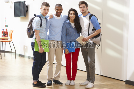 portrait, of, multi-ethnic, group, of, students - 19407840