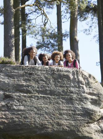 family, resting, on, hike, through, countryside - 19408772