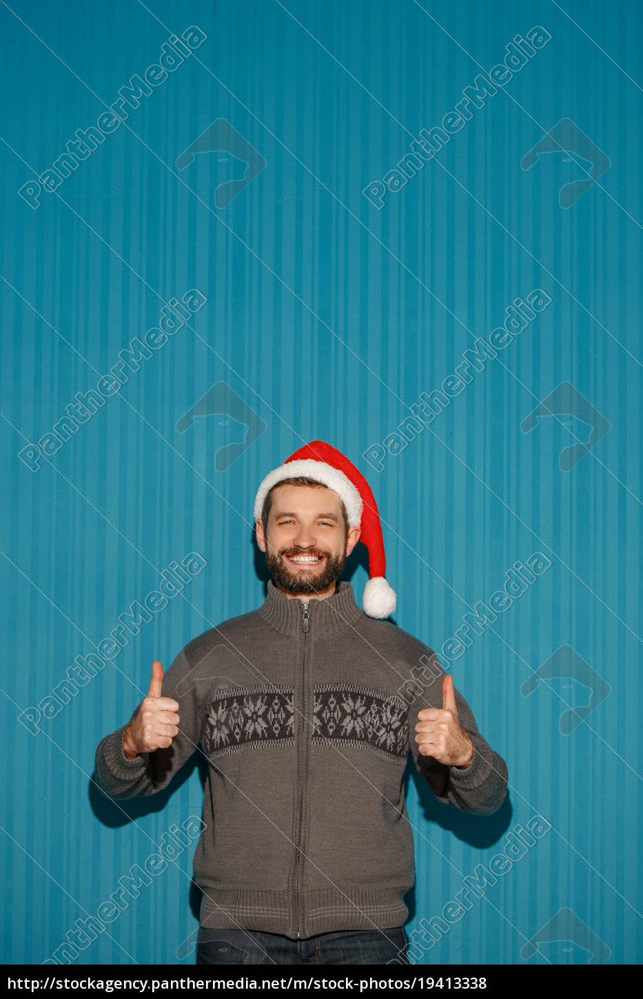 smiling, christmas, man, wearing, a, santa - 19413338