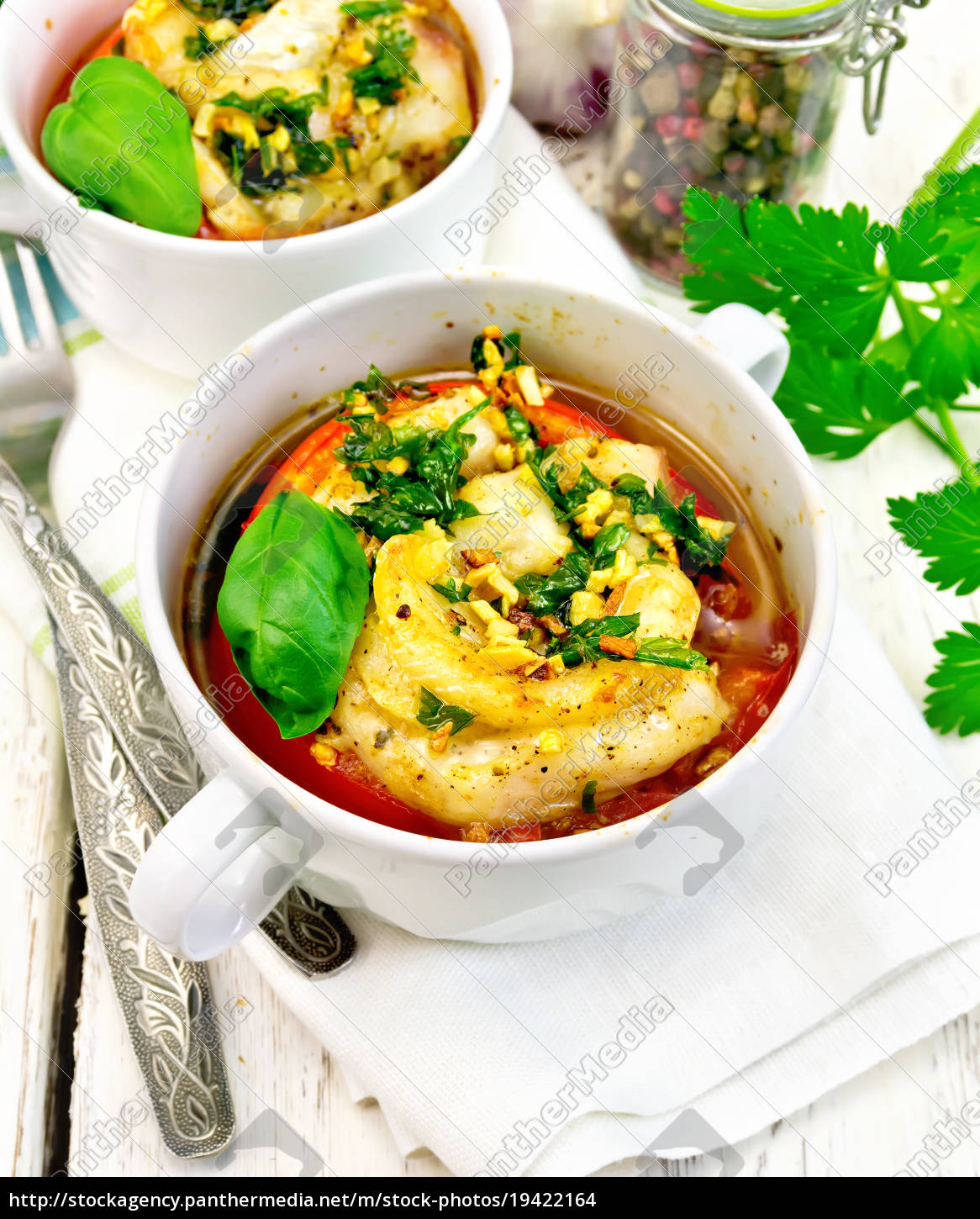 fish, baked, with, tomato, in, white - 19422164