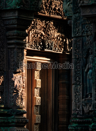 the hindu temple of banteay srei