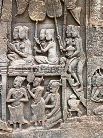 bas relief carvings at the bayon