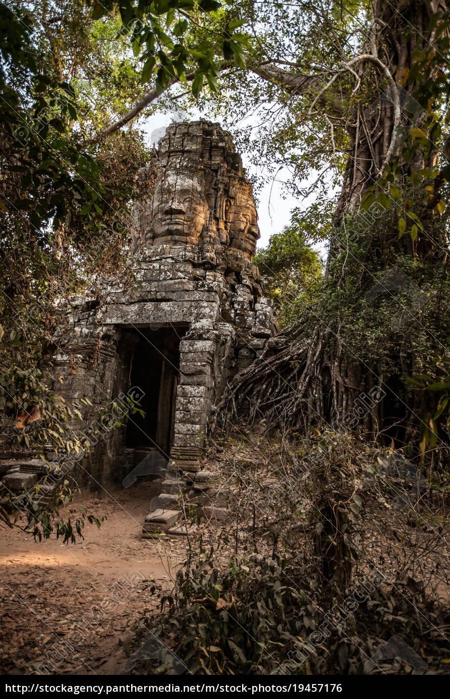 buddha, face, at, ta, prohm, temple - 19457176