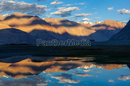 mountains at sunset hunder nubra valley