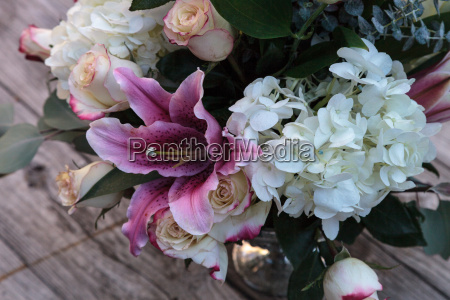 wedding bouquet of white and pink