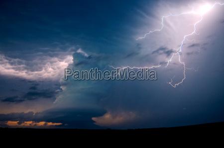 a low precipitation supercell near arcadia