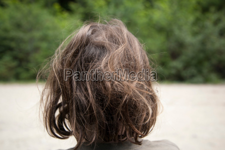 girls uncombed hair