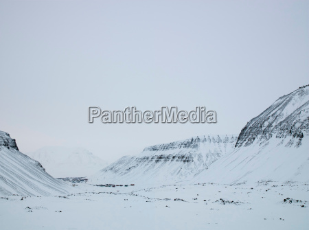the largest town of the svalbard