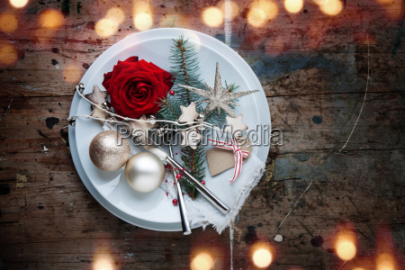 christmas table place setting in shabby