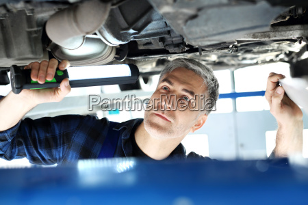 vehicle inspection station the car repaired