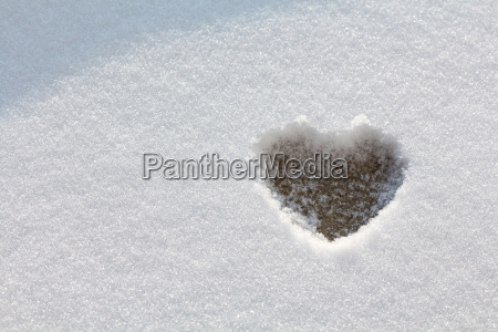 heart form in the snow