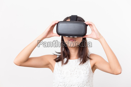 asian woman using virtual reality