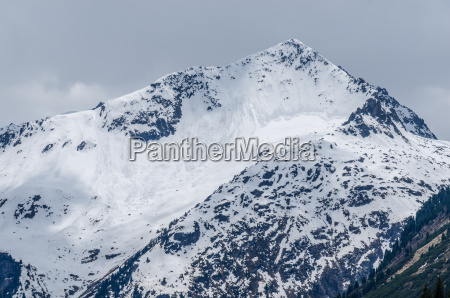 mountains and many avalanches