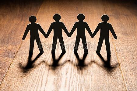 mennesker folk personer mand hand haender
