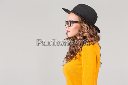 the, profile, of, girl, in, hat - 20098514