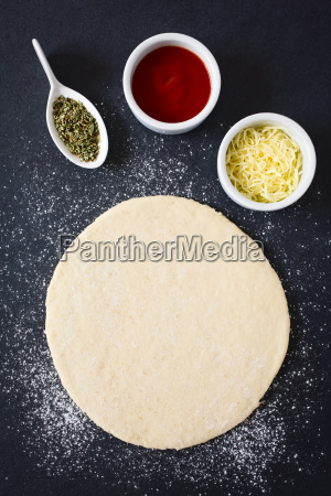 rolled, out, pizza, dough - 20114082