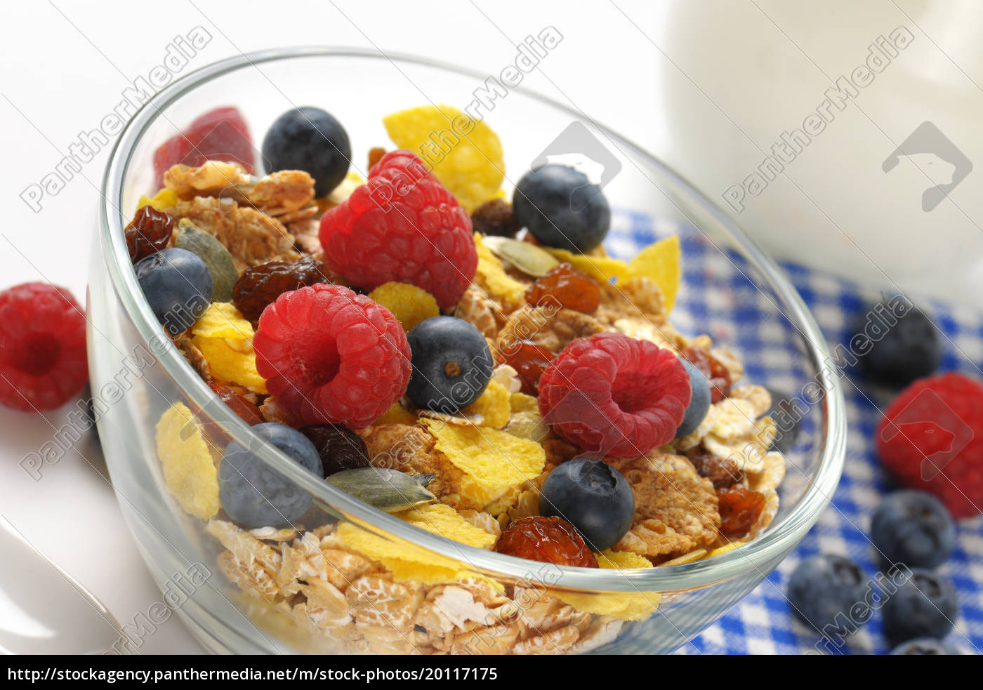 bowl, of, breakfast, cereals, and, fresh - 20117175
