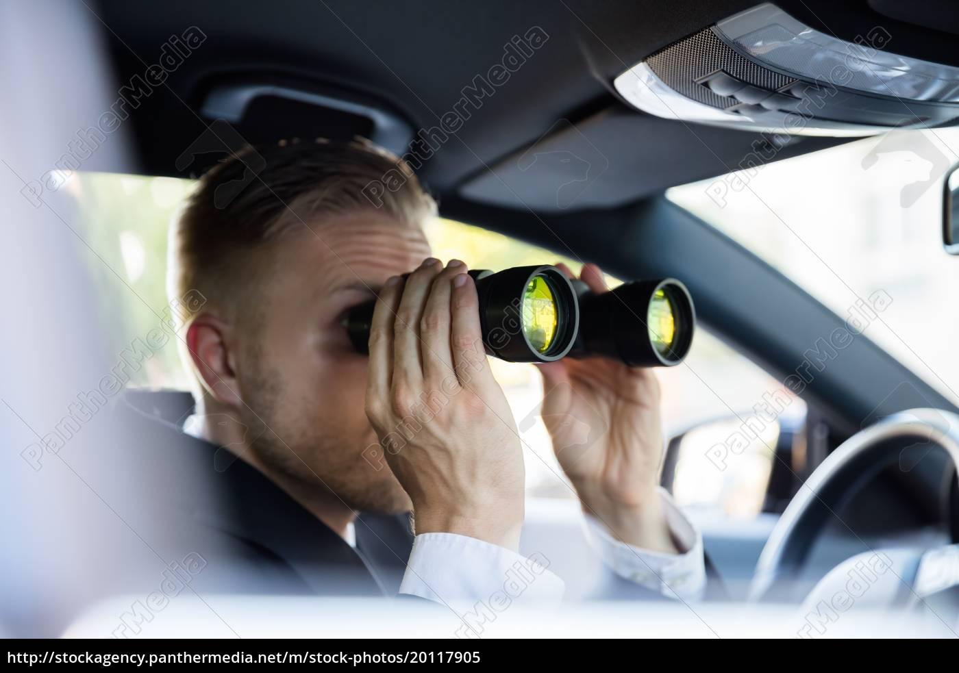 man, looking, through, binocular - 20117905