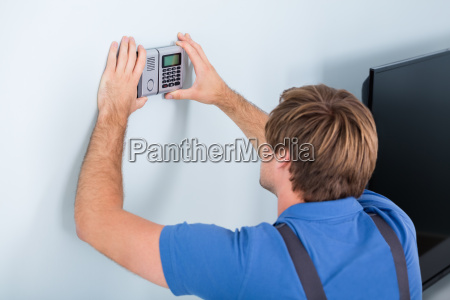 repairman, installing, security, system - 20118963